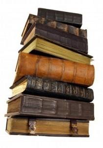 Avis sur tous les tomes dans Non classé 3948858-les-livres-anciens-reliure-en-cuir-sur-un-fond-clair-210x300